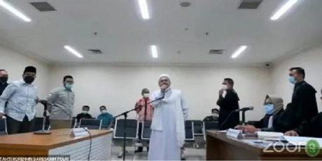 Hakim Tolak Pembela Habib Rizieq Soal Kerumunan